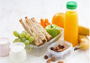 It is important to choose the right variety of food for your children during Suhoor including complex carbohydrates, fiber and lean protein.