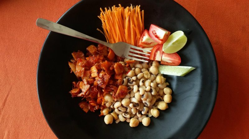 Spiced Ham with Mixed Beans
